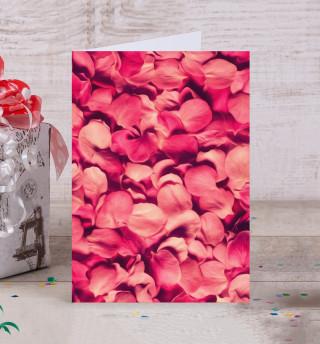 Лепестки роз